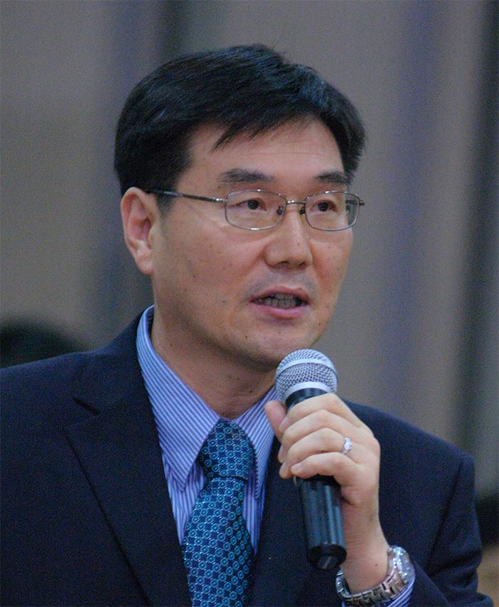 Dr. Chongpae Kim