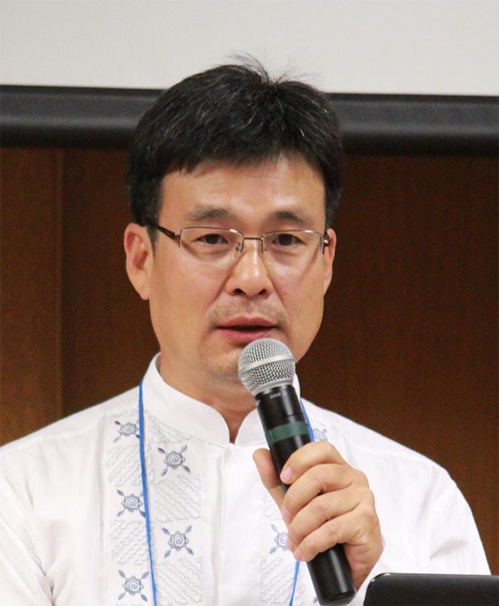 Dr. Steve Eom