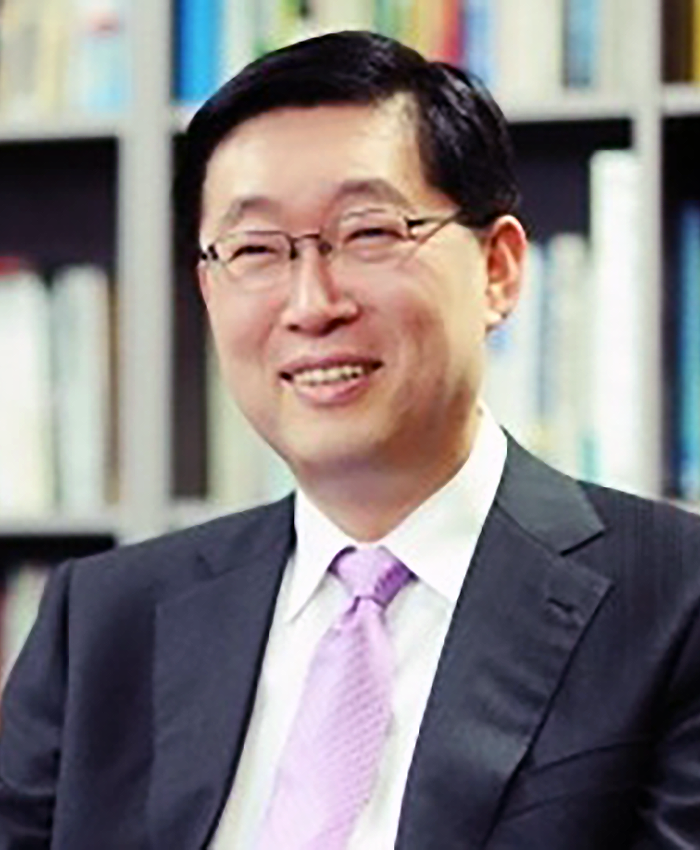 Dr. Moon Jang Lee